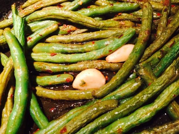 CMI-roasted-garlic-string-beans